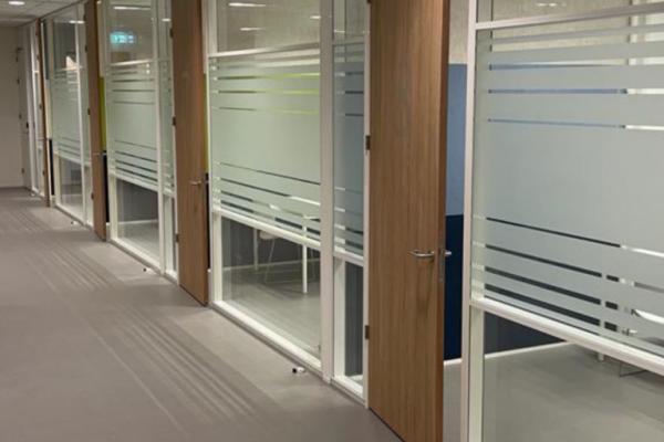 Glaswand - systeemwand - monobloc